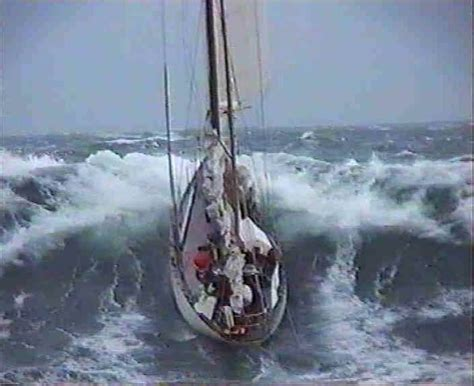 catamaran sailing heavy seas heavy seas sailboats pinterest