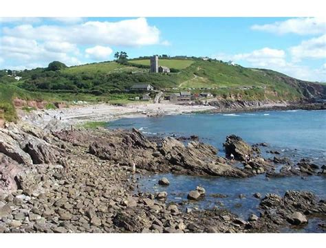 plymouth to wembury local m s volunteers set to tackle wembury litter