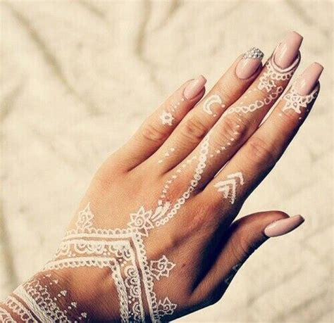 henna tattoo hand finger white henna designs search gold