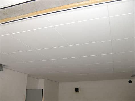 plafond rockfon verlaagde plafonds akoestisch plafonds en metalen plafonds
