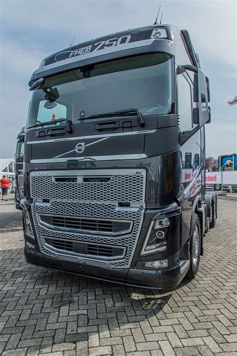 volvo truck and volvo fh