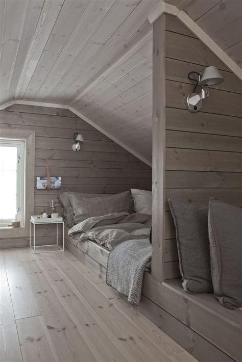 afffcdbaecdjpg  attic
