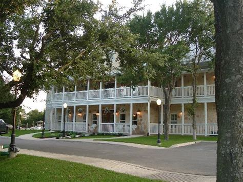 gruene bed and breakfast gruene river hotel retreat new braunfels texas see
