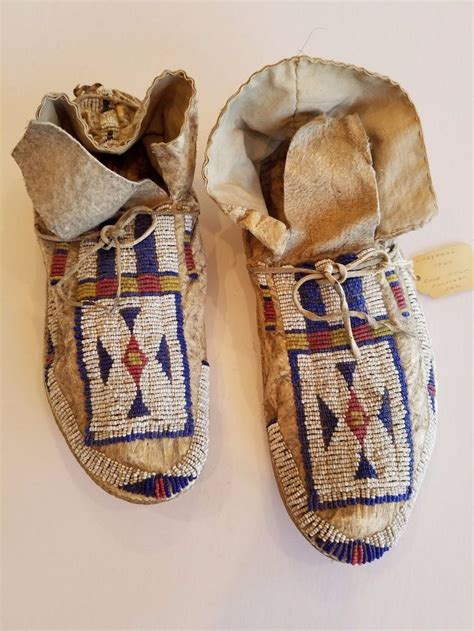 Handmade American Moccasins - 1000 ideas about beaded moccasins on beadwork