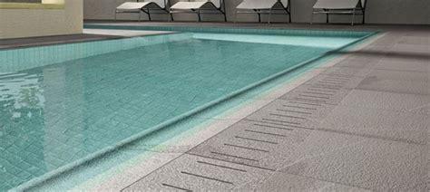piastrelle per piscina mattonelle per piscine pavimenti per esterni
