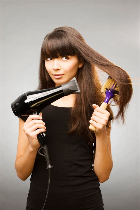 blow dry your hair what brush to use hairboutique blow dry hair straight with a round brush