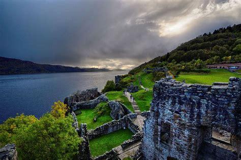 Das Loch Finden by Das Loch Ness Schottland Gro 223 Britannien