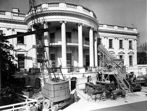 renovating the house file removing debris from the renovation of the white house 02 27 1950 jpg wikimedia