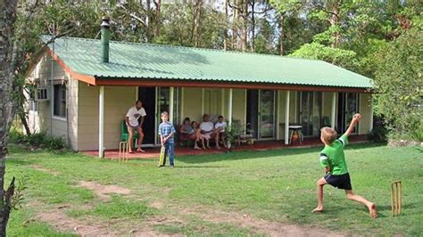 backyard cricket christmas in australia it s going ok