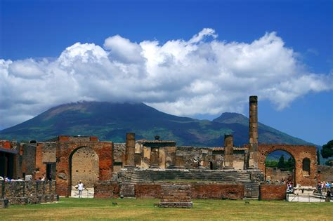 pompeii what to see in only one day practical travel guide for diy travelers books pompei sorrento and positano