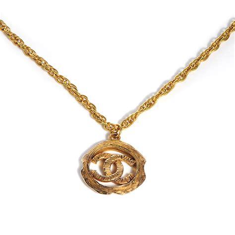 chanel vintage cc logo pendant necklace gold 68440