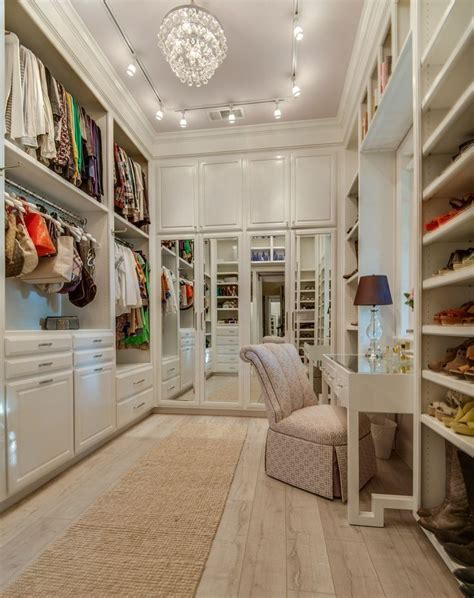 Best Walk In Closets In The World by Best 25 White Closet Ideas On Walking Closet