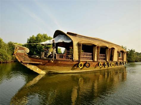 house boat at kollam deluxe 2 beds houseboat booking for 1 nights in kollam at
