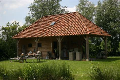 tuinhuis met buitenkeuken eiken duurzaam eikenhout eikenhouten bijgebouw bijgebouwen