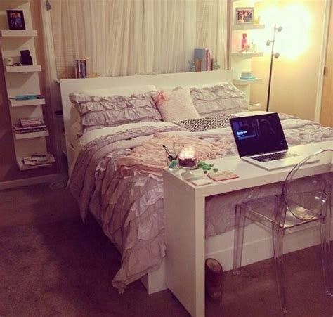 Space Saving Storage Ideas Bedroom by 25 Best Ideas About Space Saving Bedroom On