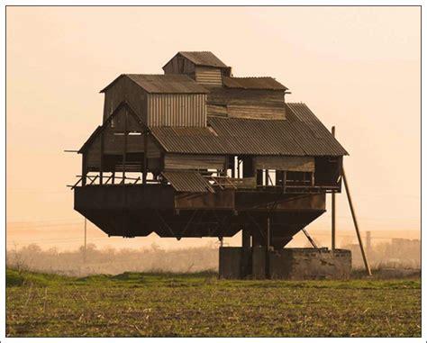 weird houses strange house 1 amazingmaterial com
