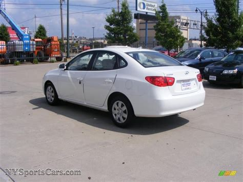 2009 Hyundai Elantra Se by 2009 Hyundai Elantra Se Sedan In Captiva White Photo 6