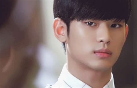 kim soo hyun wife photo the 10 most handsome korean actors reelrundown