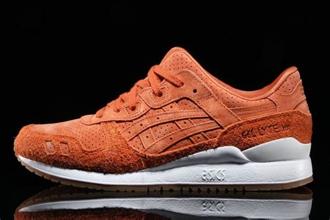 Asics Tiger Gel Lyte Iii Navy Gum asics gel lyte iii suede pack with gum soles air release dates