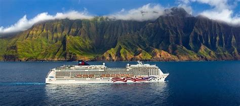 cruise hawaiian islands 7 cruises everyone needs to experience