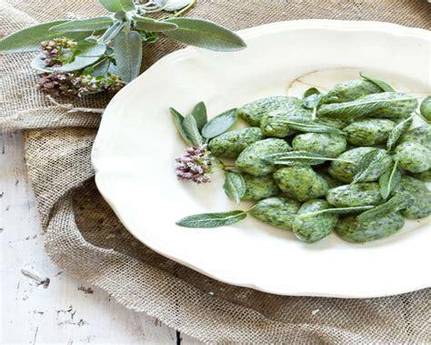spinaci cucinare gnocchi agli spinaci cucinare it