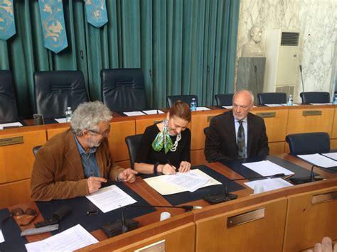ufficio lavoro imperia imperia firmata la convenzione accordo tra comune e