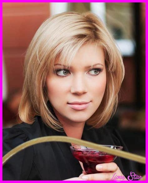 Medium Hairstyles Bangs by Medium Length Haircuts For Thin Hair No Bangs Livesstar