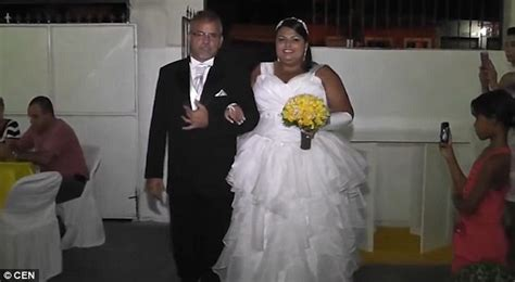 wedding aisle march shows moment refuses to walk the aisle