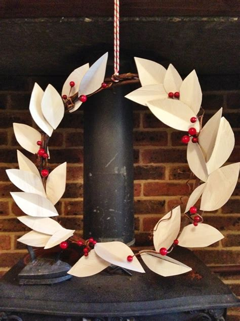 Make Your Own Paper Decorations - create your own diy paper leaf wreath for