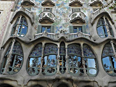 casa batlo barcellona file casa batll 211 barcelona jpg wikimedia commons