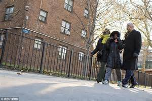 pink houses brooklyn nypd s peter liang shot unarmed akai gurley dead in brooklyn by accident daily