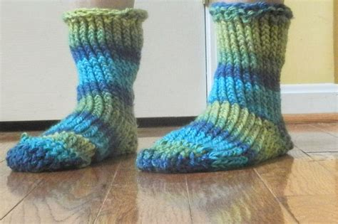 how to loom knit slippers 97 best loom knitting images on spool knitting