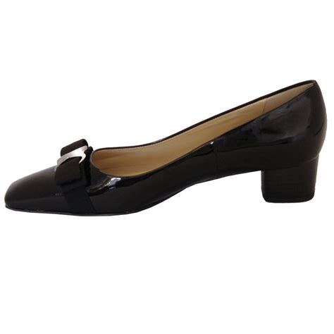 kaiser balla low heel court shoes in black patent