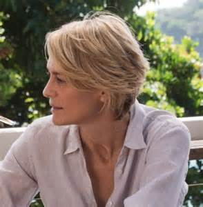 robin wright haircut best 25 robin wright ideas on pinterest robin wright movies robin wright hair and house of