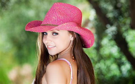 wallpaper girl with hat 1 tiffany star hd wallpapers backgrounds wallpaper abyss