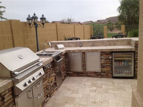 Backyard Built In Bbq Ideas 29 Cool Outdoor Barbeque Areas Digsdigs