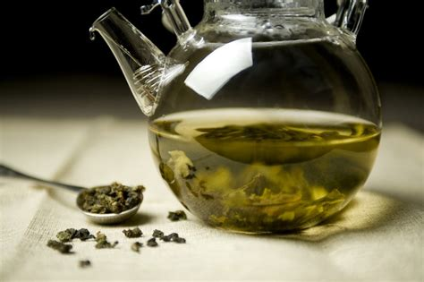 Brewing Green Tea Leaves - tea brewing tricks for aspiring tea mavens