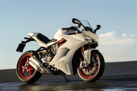 Motorrad Supersport by 2017 Ducati Supersport S Ride Test 18 Fast Facts