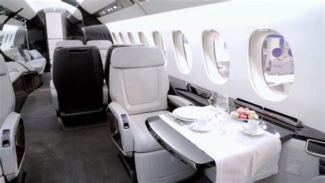 dassault falcon  cabin business jet traveler