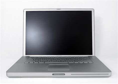 Second Laptop Apple Ibook G4 apple what typewriters and computers are shown in this