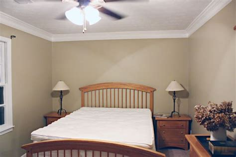 crown molding in bedroom diy crown molding tutorial home organizing decorating