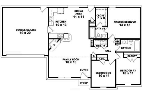 3 bedroom 2 bath ranch floor plans 653777 one story 3 bedroom 2 bath traditional ranch