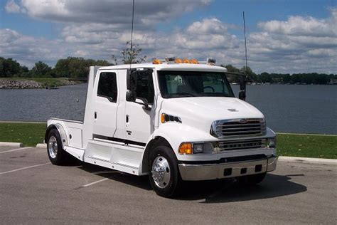 freightliner sportchassis call    truckscom sportchassis truckscom