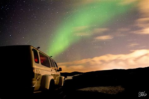 where do you go to see the northern lights how to see the northern lights in iceland 10 tips from a