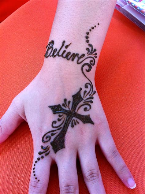 henna tattoo in chicago henna cross designs makedes