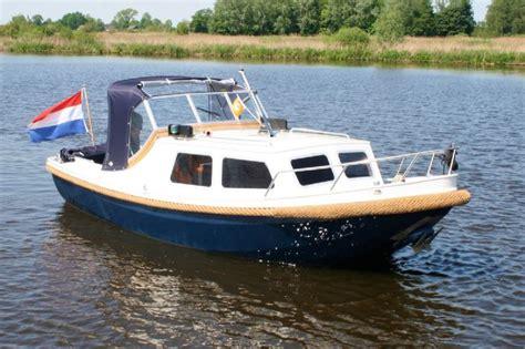vaarbewijs leeuwarden motorboot in friesland