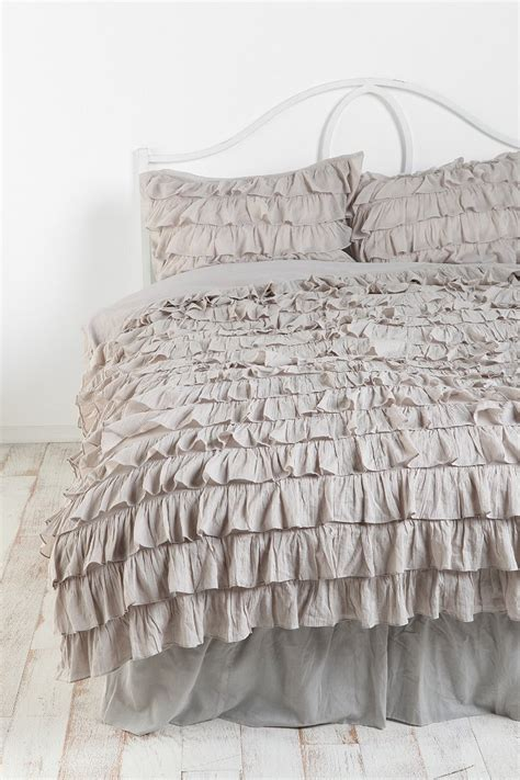 ruffle bedskirt urban outfitters