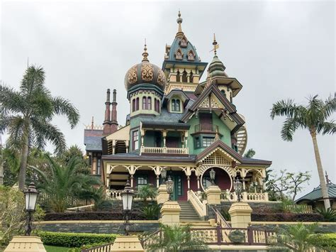 Park Hongkong Family Package best disneyland attractions check out best disneyland
