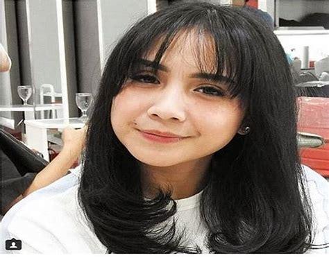 model rambut pendek wanita  terlihat muda  segar