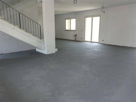 preventivo resina effetto cemento posa resina effetto cemento